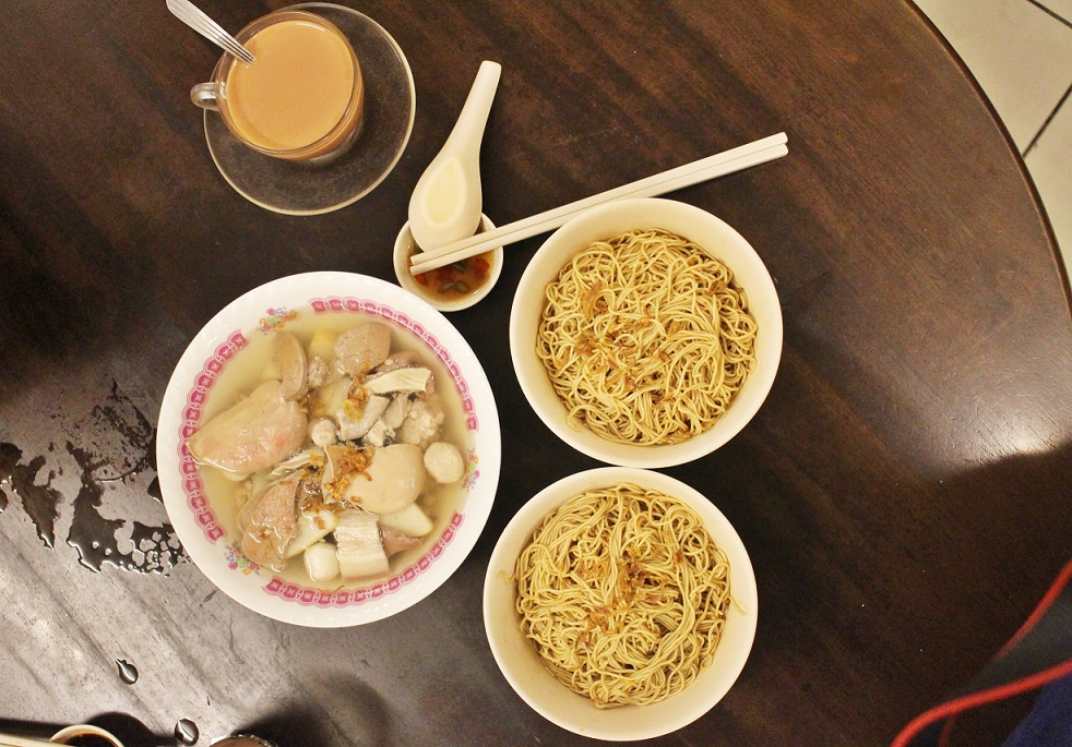[M'SIA EATS] A STORY OF NOODLE DESCENDENTS [面家汤] (MIN JOO CAFÉ) KUCHING