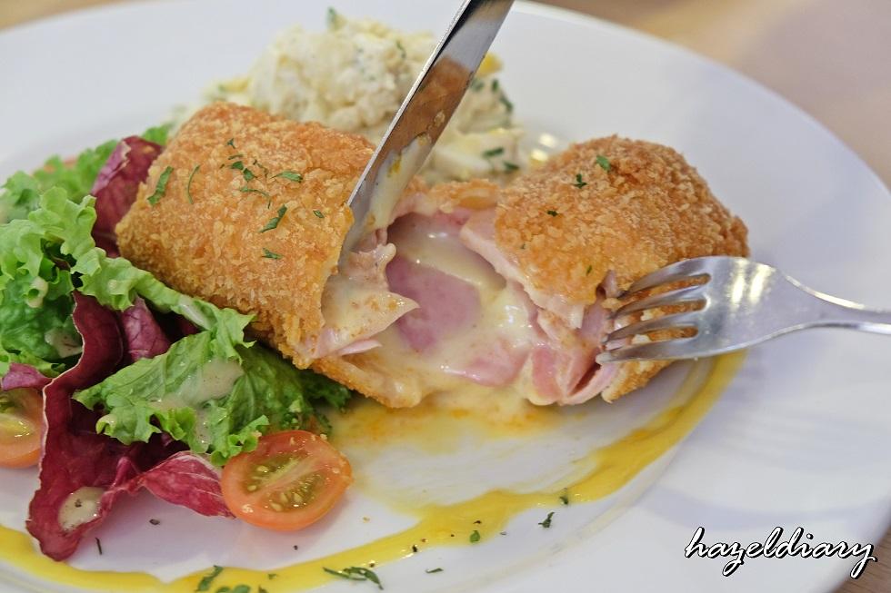 [SG EATS] Toby's The Dessert Asylum At Tradehub 21 – Kids' Friendly Café