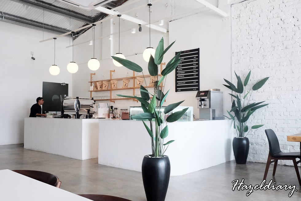 [JB EATS] Mrs Who –Muslim Owned Café Next To Cheotnun Korean Dessert Café