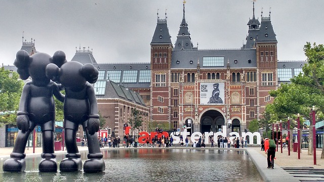 [TRAVEL GUIDE] 7 Tips Before You Visit Amsterdam